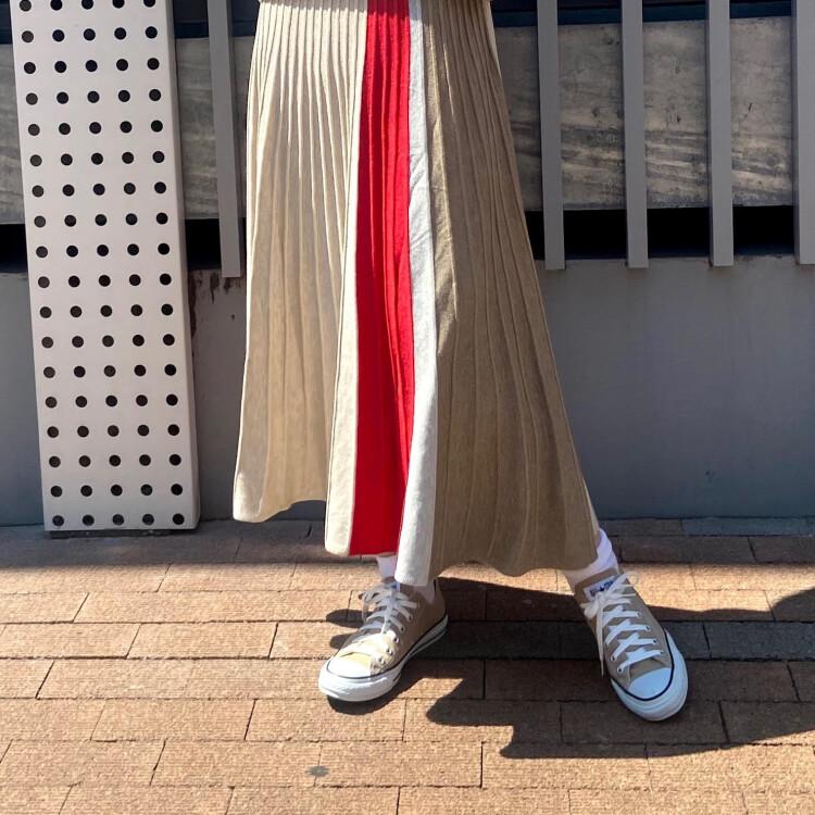 ☆大人気スカートの入荷☆