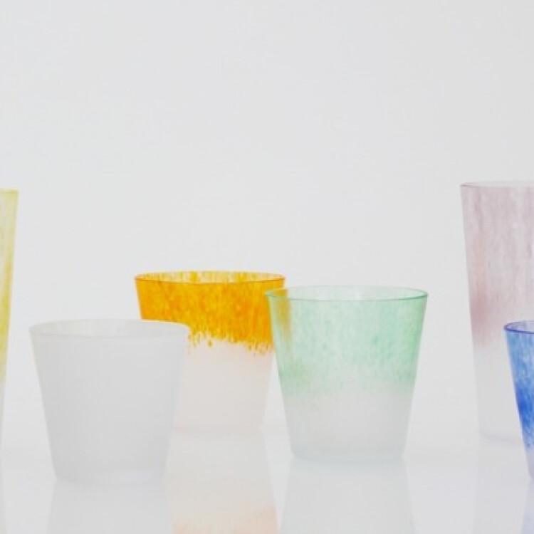 繊細で色鮮やかなグラス『iro』が大好評!!